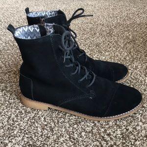 TOMS Black Suede Alpa Boots 👢